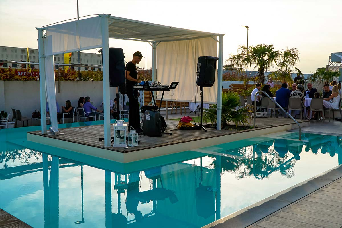 piscina-dj-set